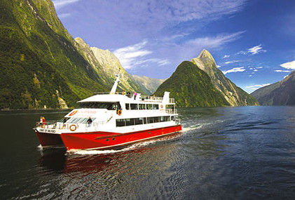 Discover-More-Cruise-Milford-Sound-Southern-Discoveries